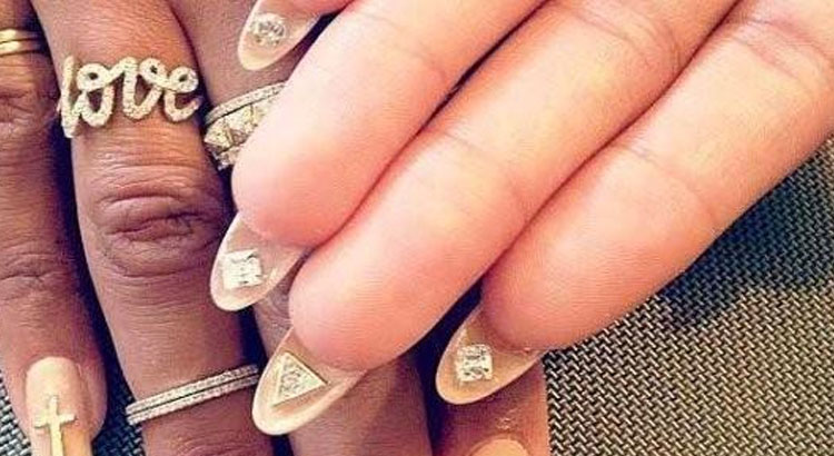 Fall 2014 Nail Trend: The flip manicure