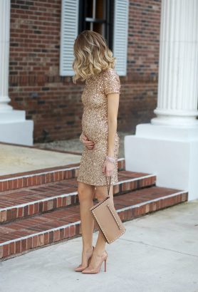 b57f4cbf8b8fc 9 Christmas & NYE maternity style outfit ideas for your festive parties